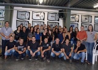 Adriana Salão de Beleza, beneficiada pelo Projeto Realize, agradece à FAMA pela iniciativa
